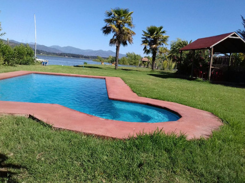 casa orilla de lago rapel piscina muelle quincho horno barro