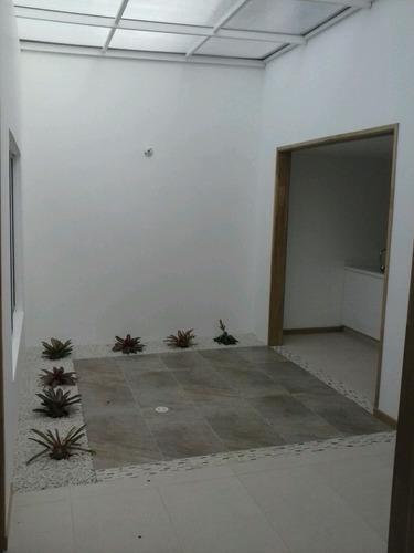 casa para empresa u oficinas en medellín p1p2