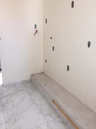 casa para estrenar en calle cerrada / san jerónimo lídice