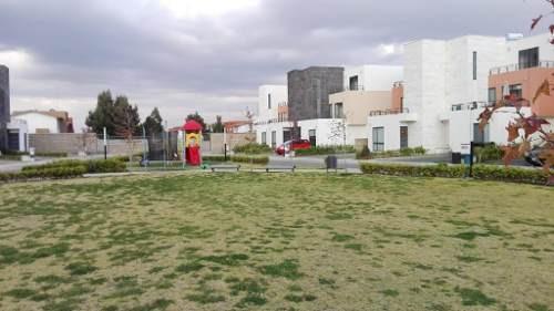 casa para estrenar!!!  en renta dentro de fraccionamiento villas del campo en calimaya
