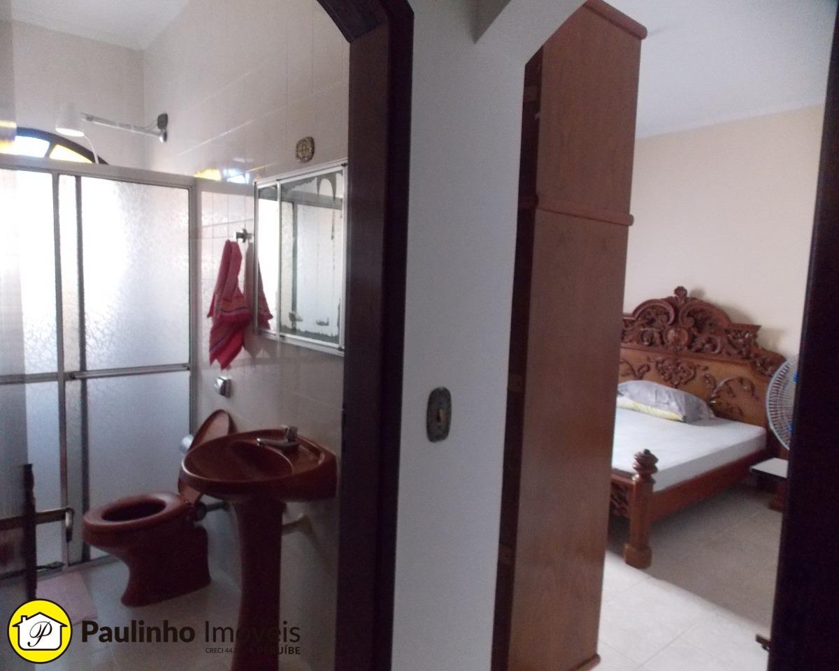 casa para locação de temporada excelente localização a 600,00 m da praia e 600,00 m do centro da cidade de peruíbe. - ca03078 - 33508385