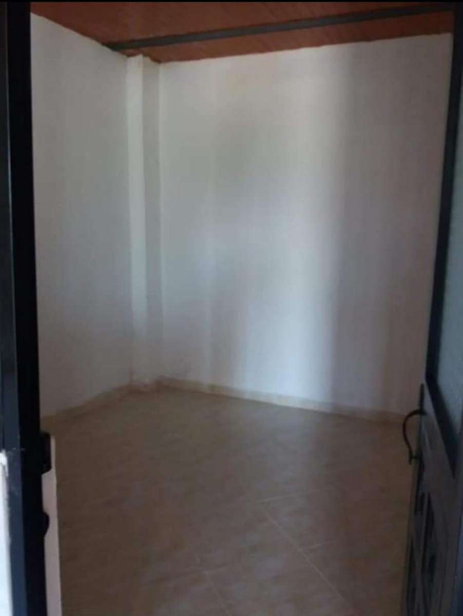 casa para local esquinero con plancha para segundo piso