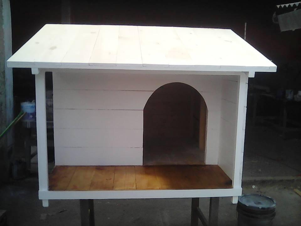 Casa para perro con terraza lateral no 6 techo sencillo for Las medidas de una casa libro