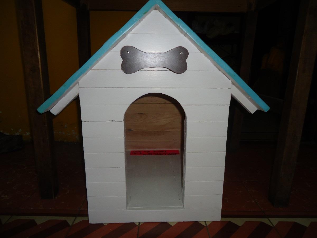 Casa para perro de madera snoopy numero 1 techo sencillo for Figuras para techos de casas