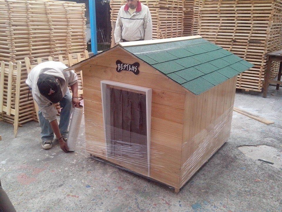 Casa para perro de madera tipo snoopy numero 7 vbf Casas para perros de madera