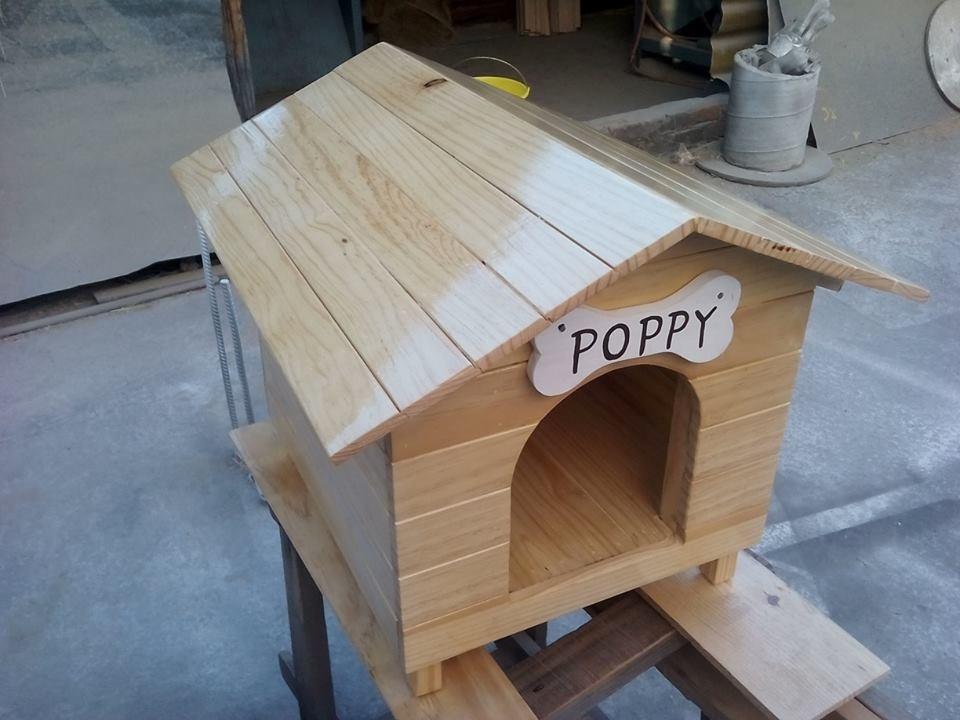 Casa para perro mini de madera tipo snoopy numero 0 for Vallas para perros en casa