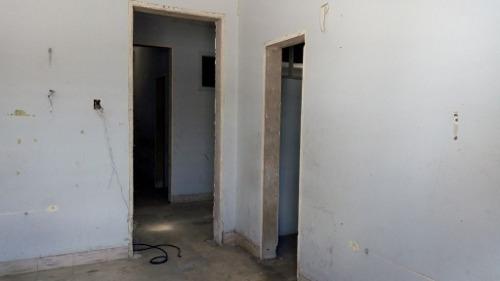 casa para remodelar en esquina muy cerca de prolongacion montejo.