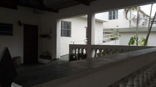 casa para renda com 7 moradias possível renda de 1% confira!