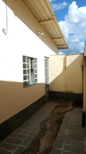 casa para renda de aluguéis no bairro sagrada familia - pr2408