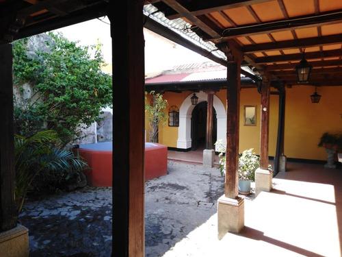 casa para renta a un costado del parque san sebastián