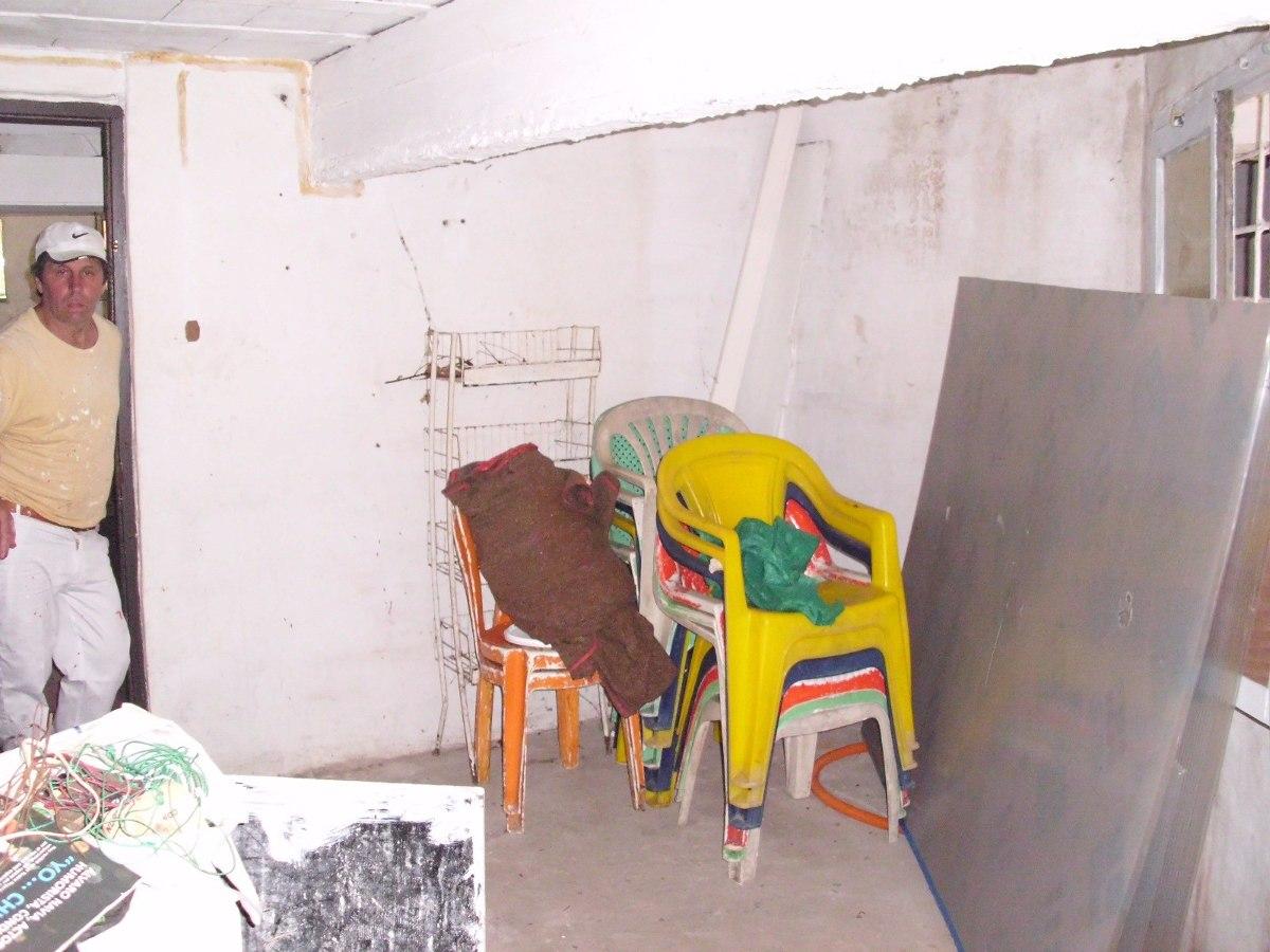 casa para restaurar en subsuelo en parada 2 de la mansa
