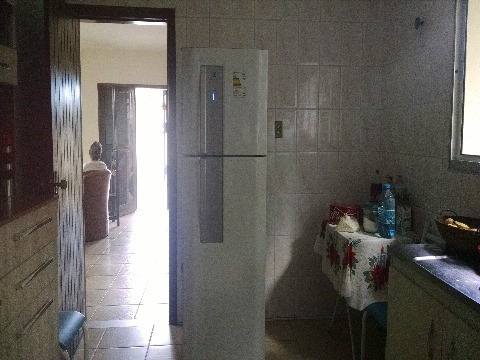 casa para venda centro, caraguatatuba 3 dormitórios sendo 1 suíte, 1 sala de estar e 1 sala de jantar  2 banheiros, 6 vagas de garagem, churrasqueira e quintal  150,00 construída, - ca00414 - 4681891