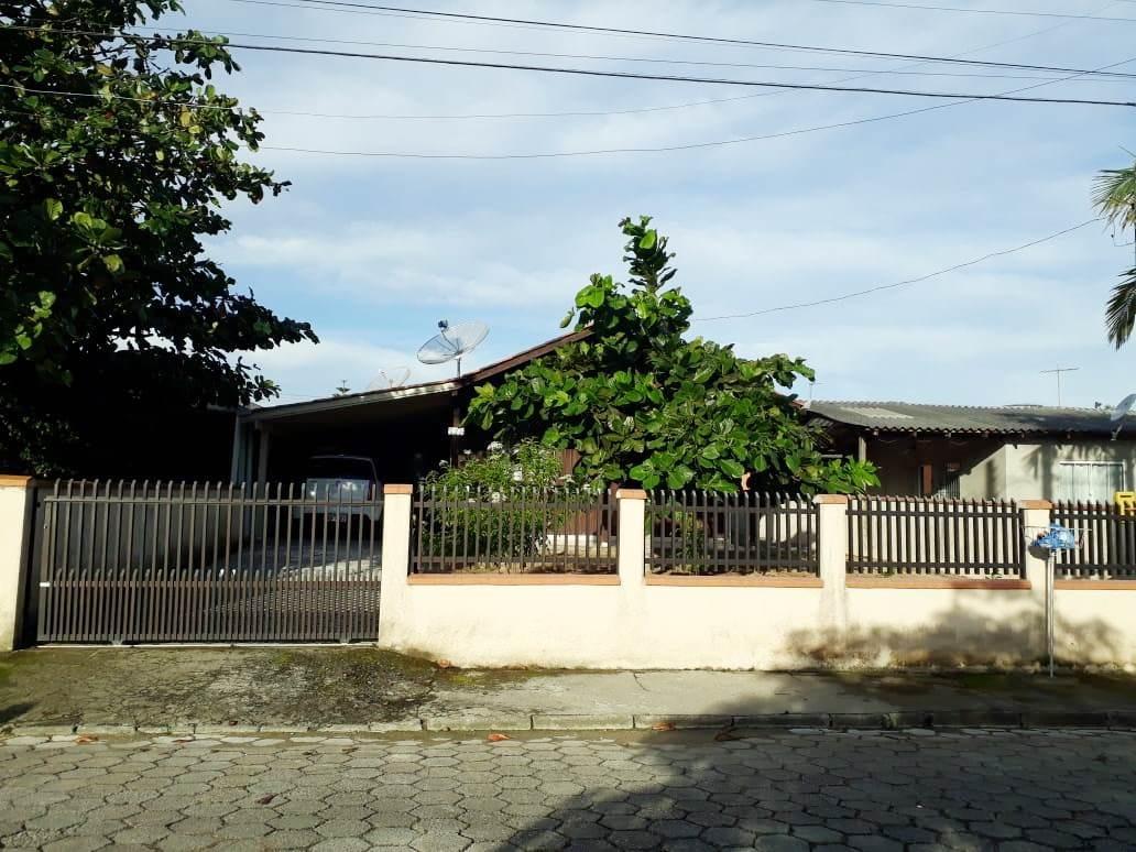 casa para venda em penha/sc.