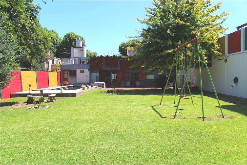 casa parque pileta jardin villa luro