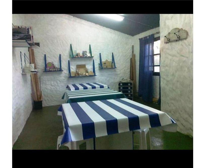 casa pasillo unico venta 2 dormit+comodin arroyito