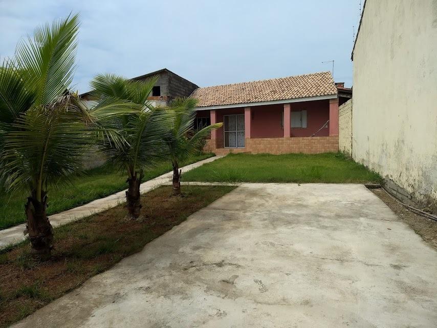 casa perto da praia com 2 quartos, entrada e parcelas!