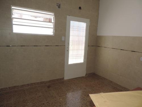 casa p.h. bernal, 3 dor. gge. patio, bño. coc. com. living.