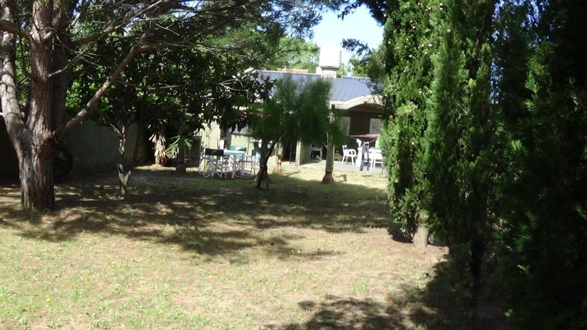 casa / ph en las toninas , 2 casas en mismo terreno. quincho