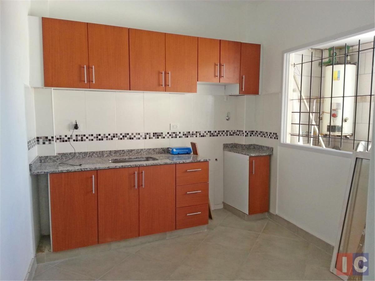 casa ph reciclada en venta 2 ambientes en ituzaingó norte