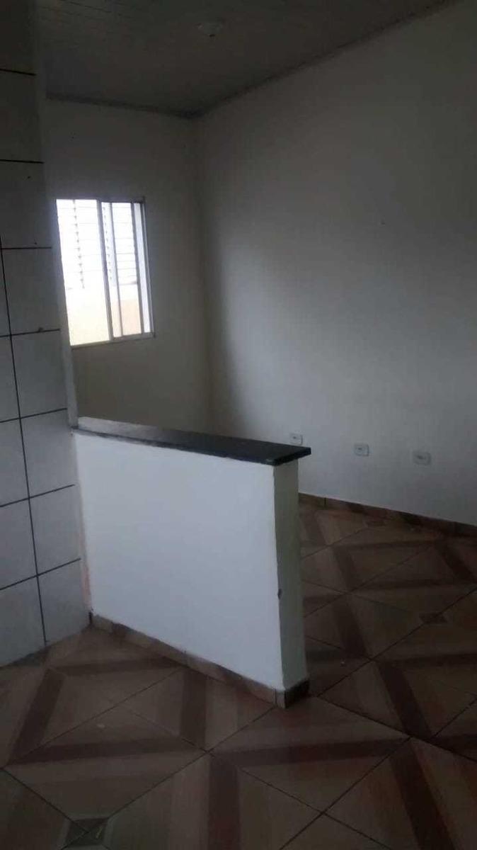 casa picanço-r$ 750,00 incluso água-ac deposito