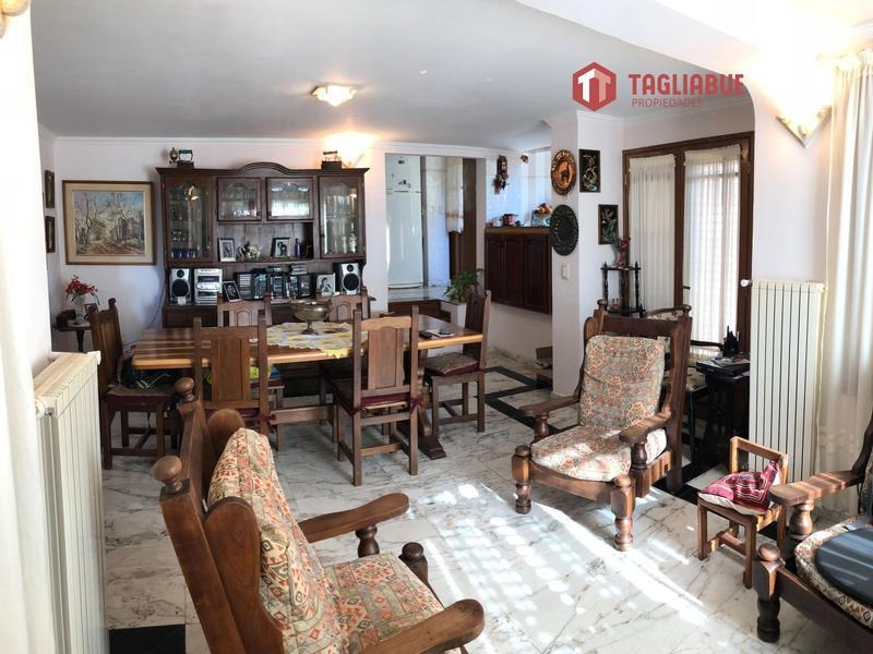casa - piedra blanca arriba- imponente- confort- belleza- gas natural- merlo- san luis-