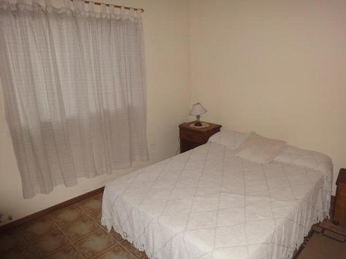 casa - pilar-4 ambientes- 3 dormitorios-terreno 1600m2