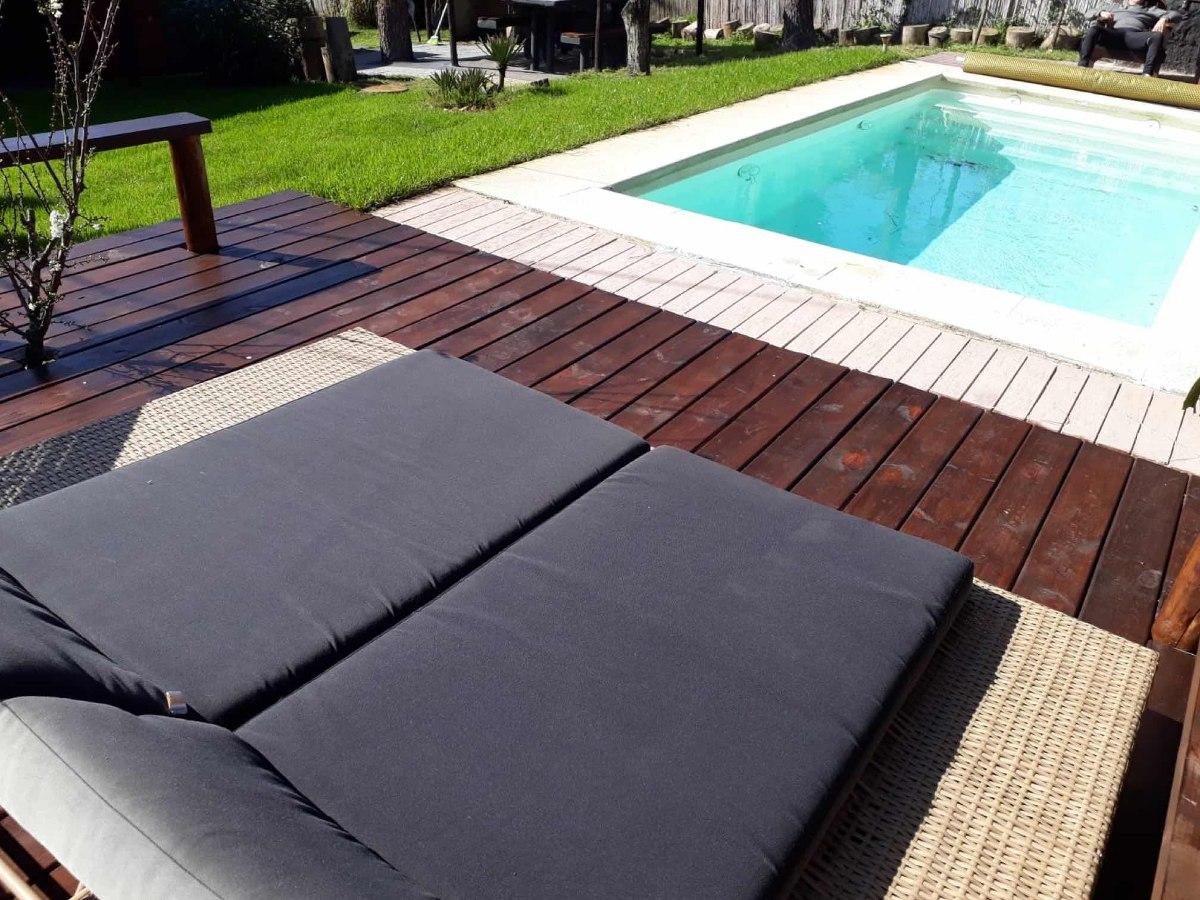 casa /piscina climatizada c/bomba calor a 34 grados todo/año