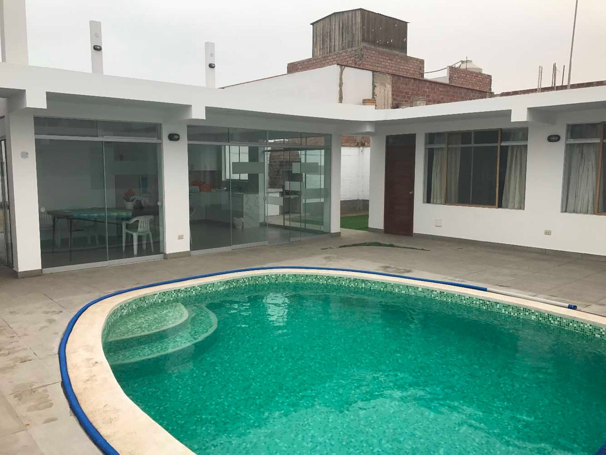 casa playa punta negra, piscina, parrilla, 5 cuartos,7 baños