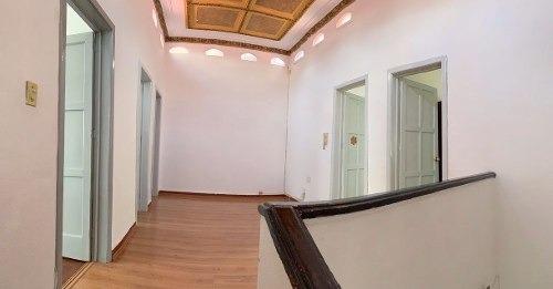 casa p/remodelar  208m2t, 253 m2c, 3 recs, 2.5 baños