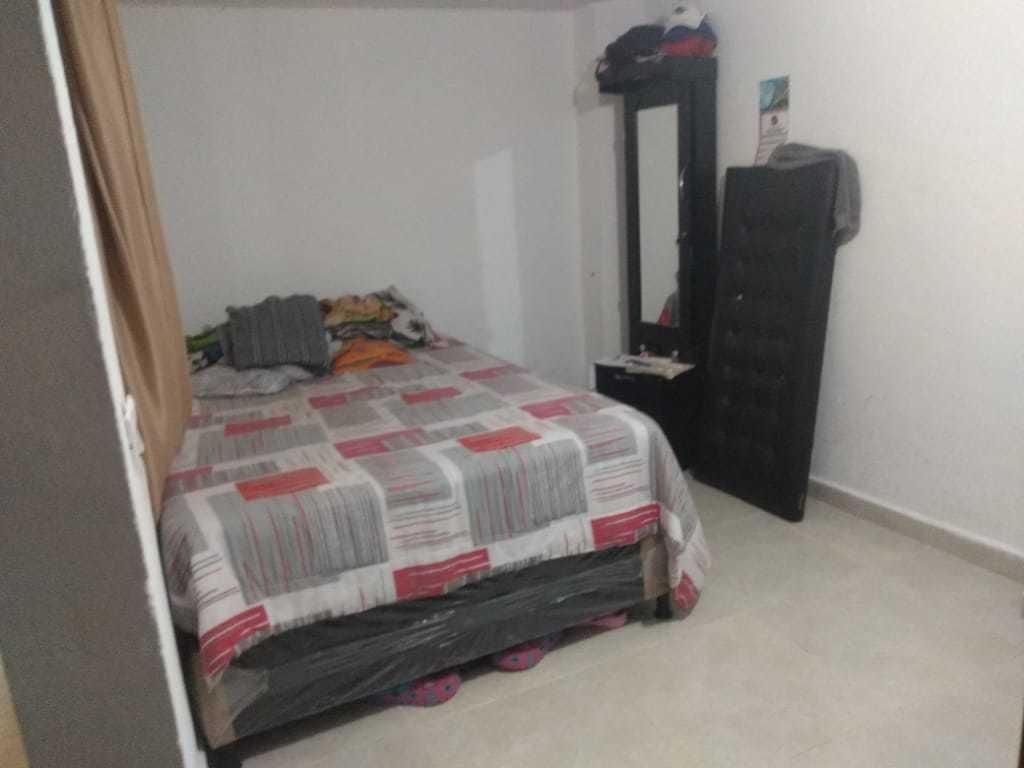 casa primer piso excelente ubicación, precio negociable.