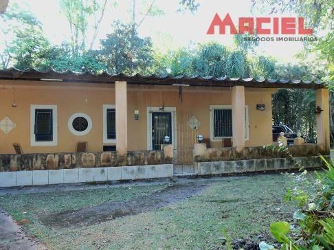 casa principal com 180m², área plana de 1200m² cômodos amplo