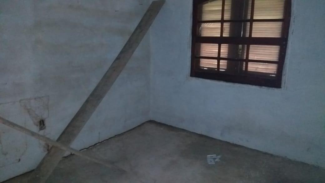 casa quarto,banheiro,garagem com terreno grande de 500 m²