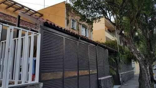 casa que se vende como terreno en la colonia vallarta pte.