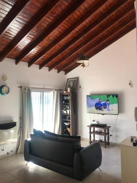 casa quinta 4 ambientes con cochera y quincho
