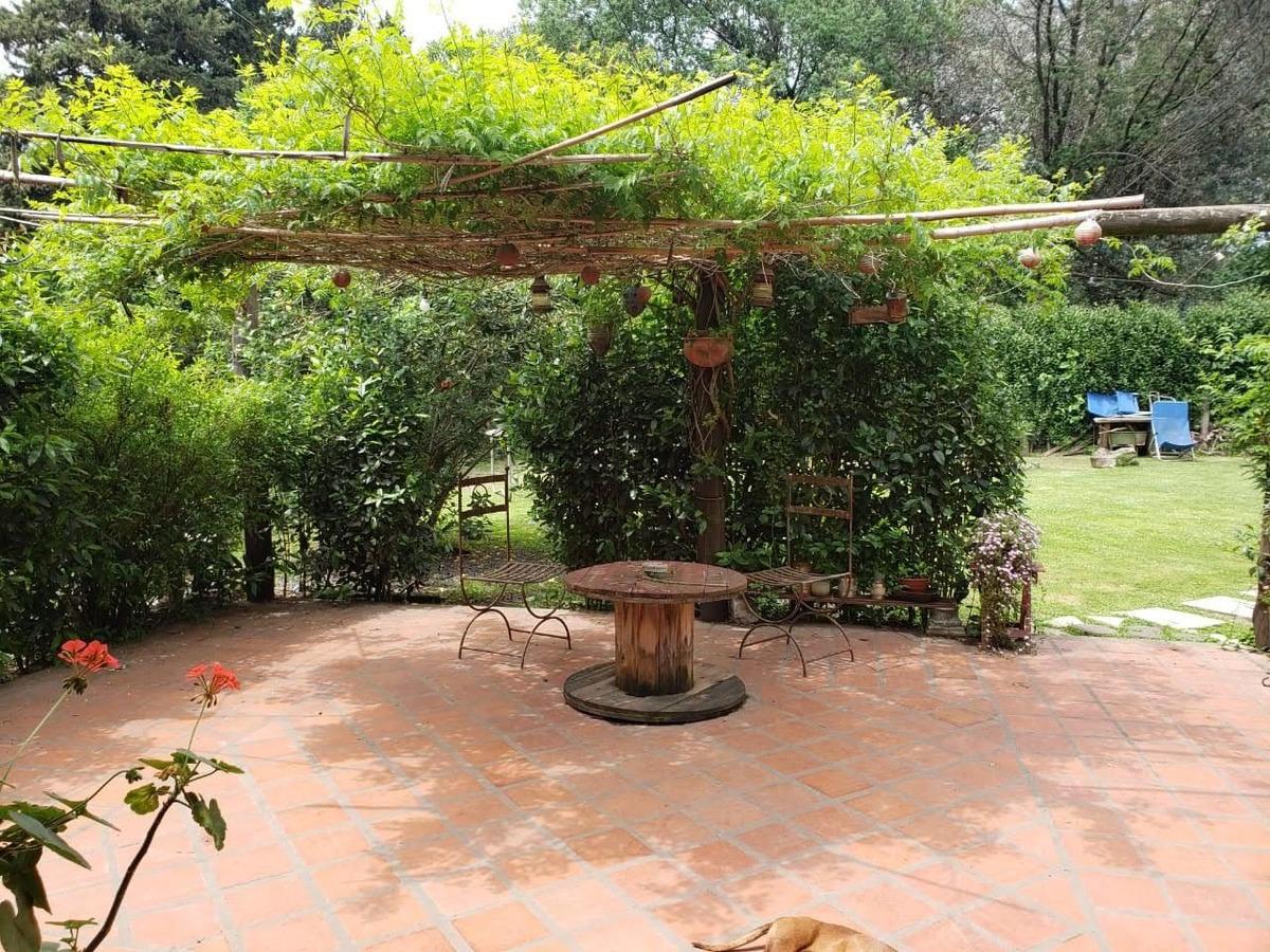 casa quinta, 5 ambientes, 2 baños completos, terreno 1000mts