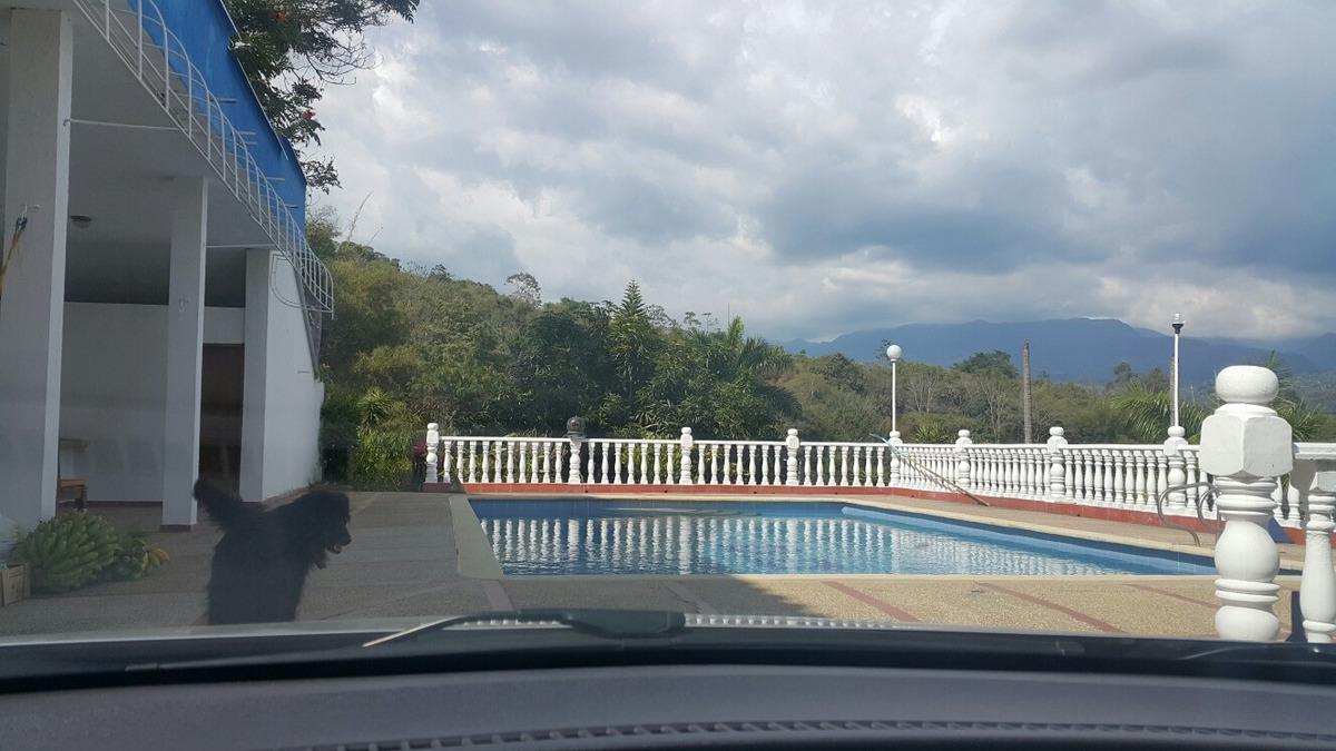 casa quinta 600 mt2, condominio en silvania cund. piscina