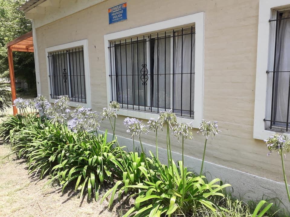 casa quinta con enorme espacio verde ideal para geriátrico
