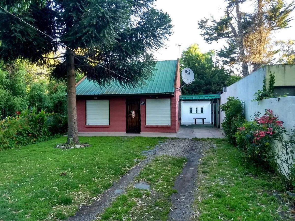 casa quinta de 3 ambientes en barrio las margaritas, muy lindo entorno!!