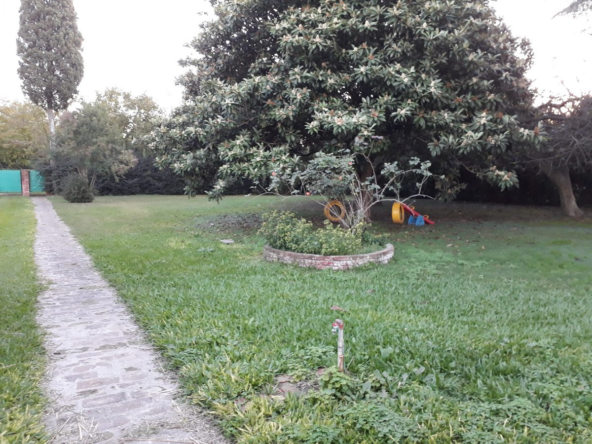 casa quinta en barrio la fraternidad ruta 7 km 57,5