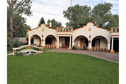 casa quinta en la reja - hermosa