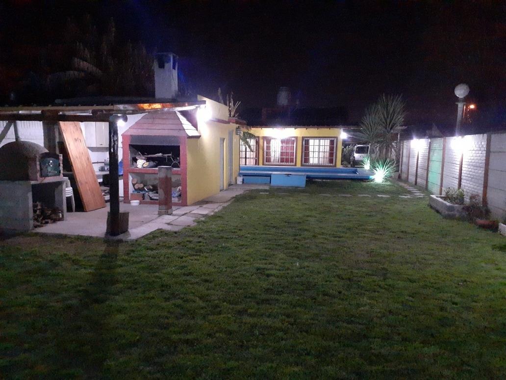 casa  quinta en longchamps[ se alquila todo el año]