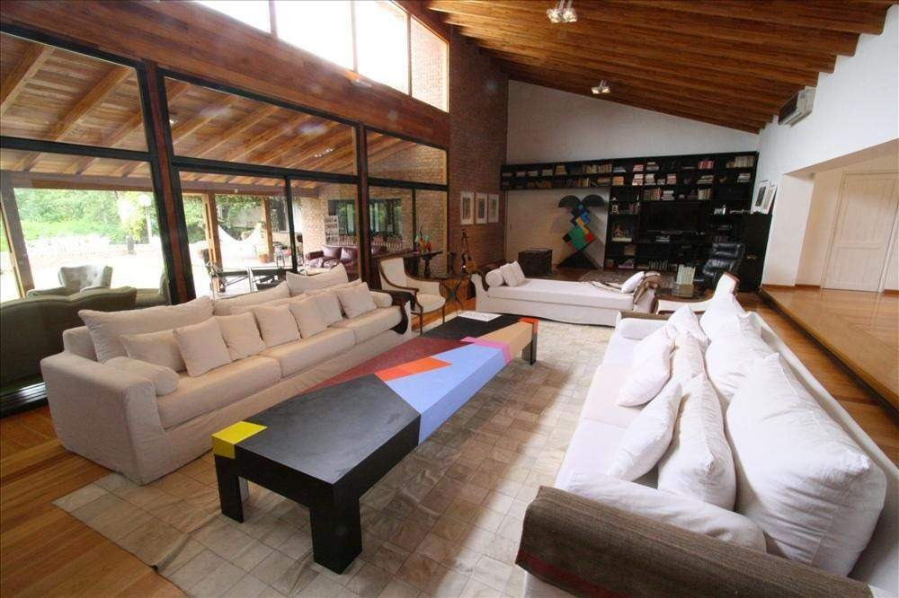 casa quinta en venta 3 dormitorios de categoria financia