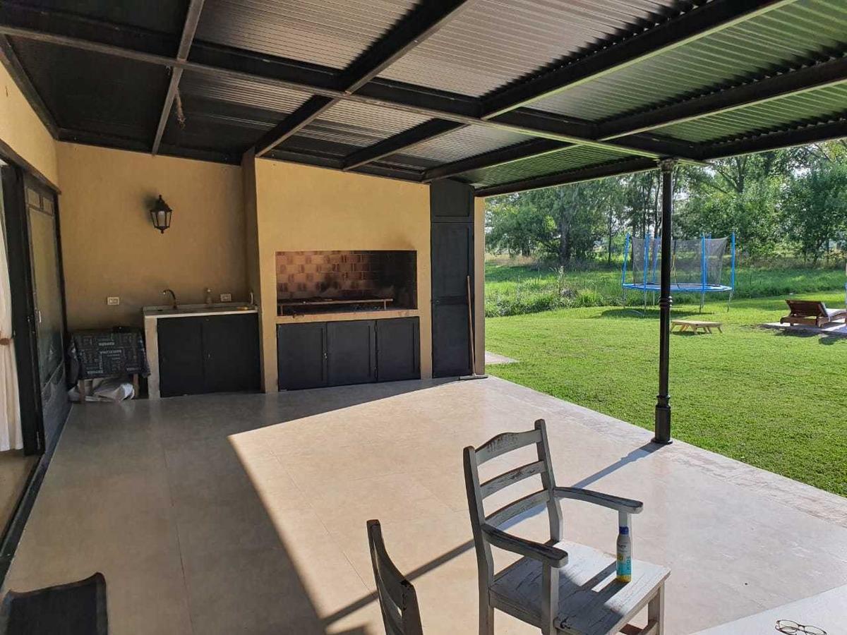 casa quinta estilo campo 231m2 cubi. 370 semi-cubi. el moro