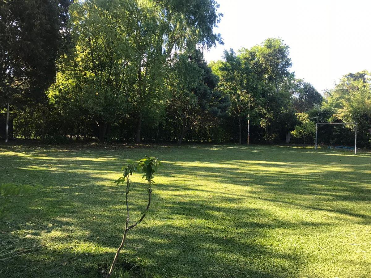 casa quinta ezeiza con cancha de futbol y pileta