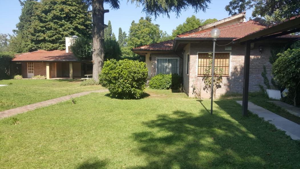 casa quinta hermosa en paso del rey, excelente acceso!!!