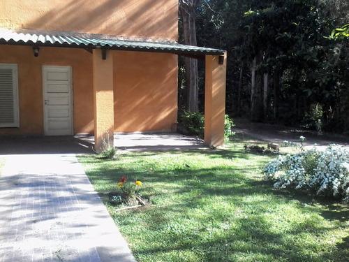 casa quinta, hermoso jardin.