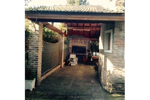 casa quinta ubicada en  la u.f.barrio el treból