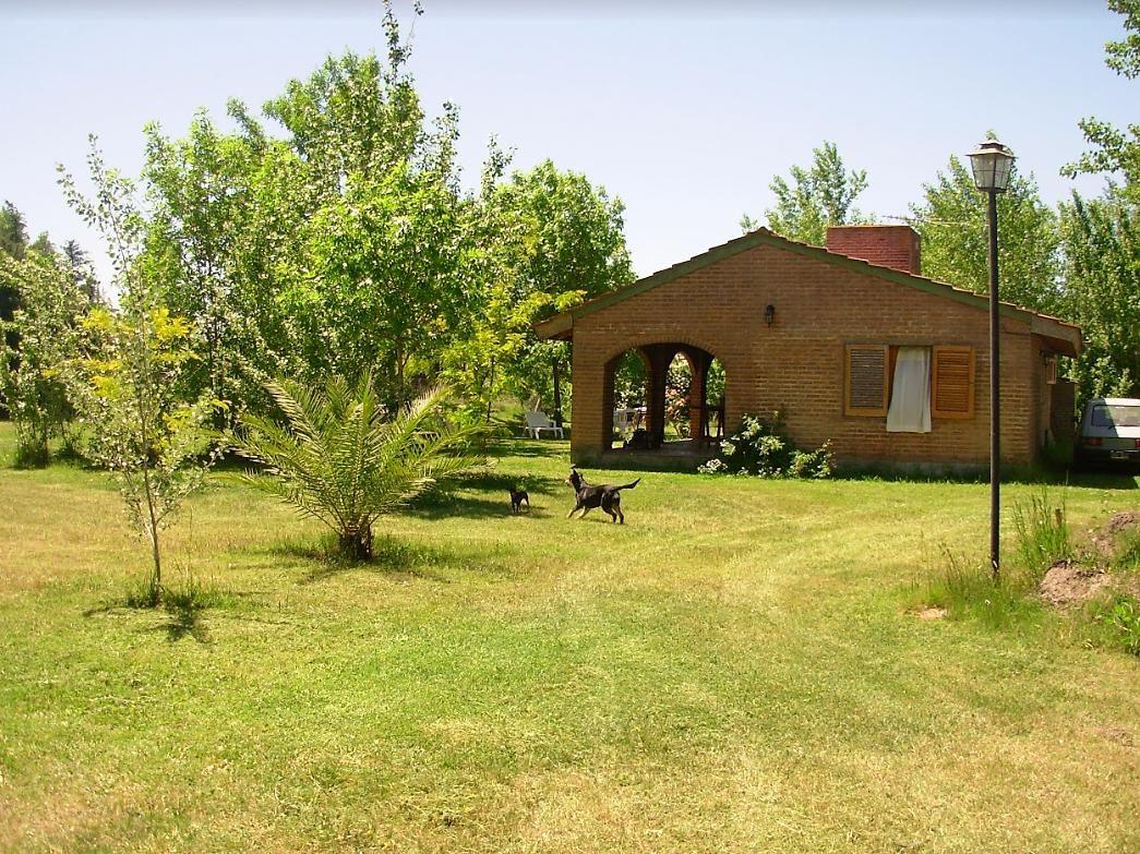 casa quinta venta - cubiertos 110 mts 2 -terreno 2,000 mts 2 -barrio el rodeo
