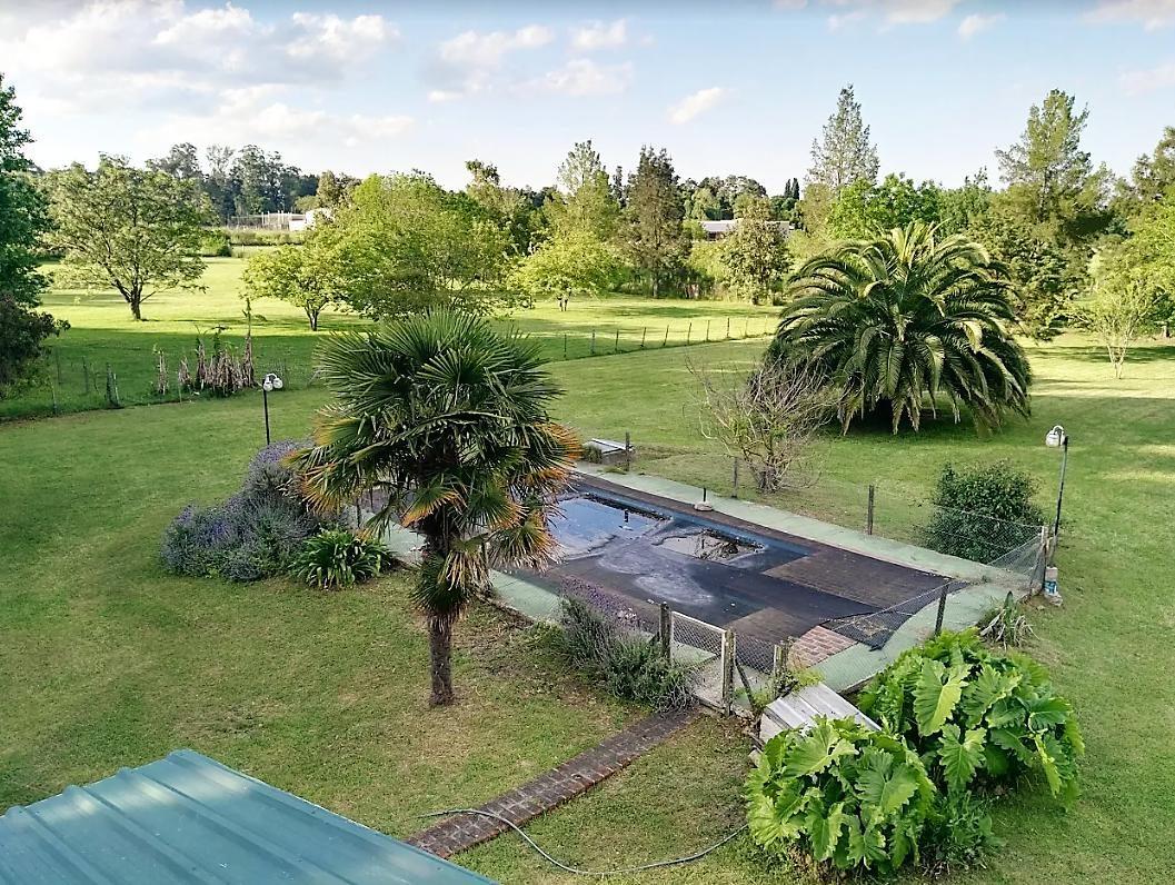 casa quinta venta terreno 100 x 200 mts , piscina , quincho y parrilla -apta banco - abasto