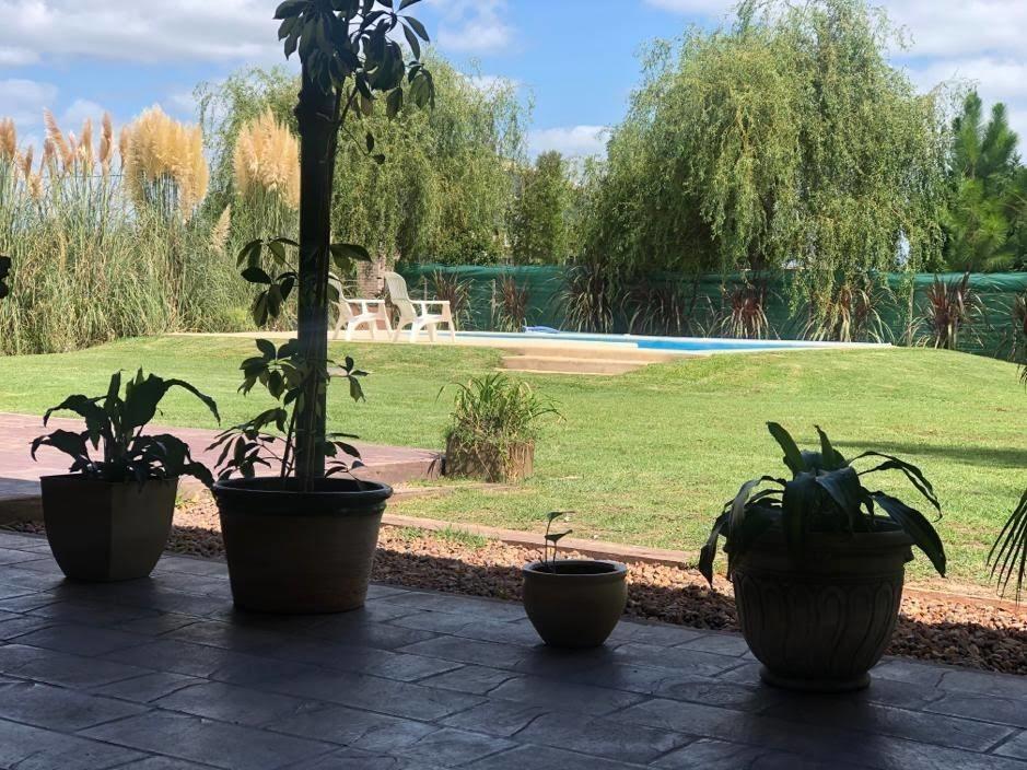 casa quinta.3 hab,2 baños, galería cubierta,piscina